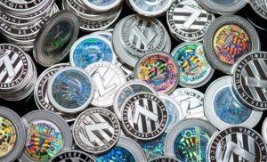 Vendite su tutte le principali criptovalute, bitcoin, ethereum e ripple perdono valore