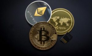 Mentre Bitcoin si avvicina a 8.000 dollari, Ripple (ETH), Ethereum (ETH) e Stellar Lumens (XLM) aumentano di valore